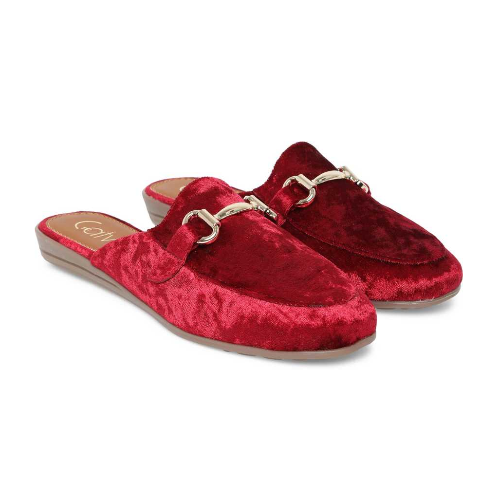 Women Maroon Flats Sandal