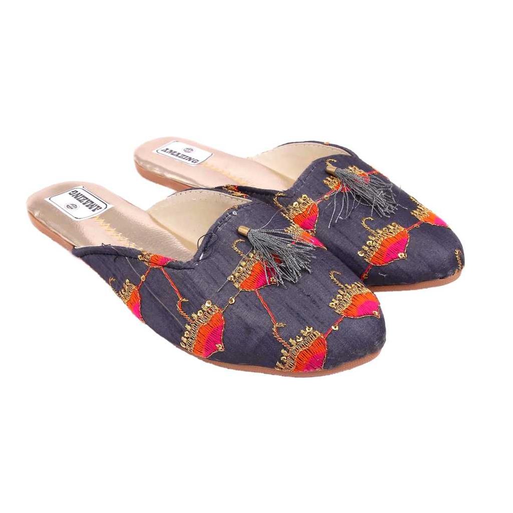 Women Red Flats Sandal