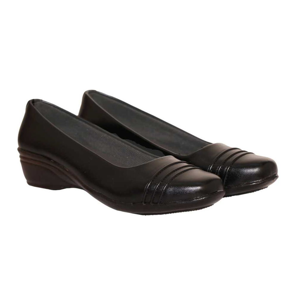 Women Brown Bellies Sandal